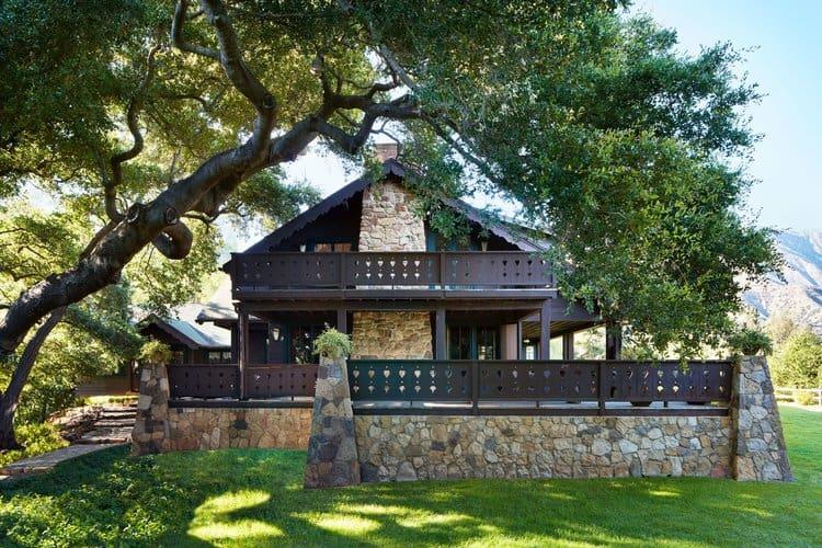 Anne Hathaway California House