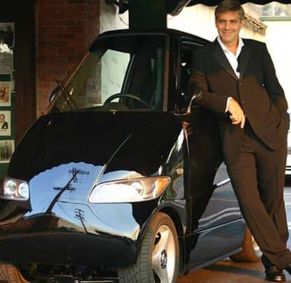 Clooney With Tango 600