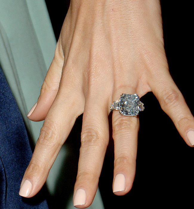 Jennifer-Lopez-most-expensive-engagement-ring