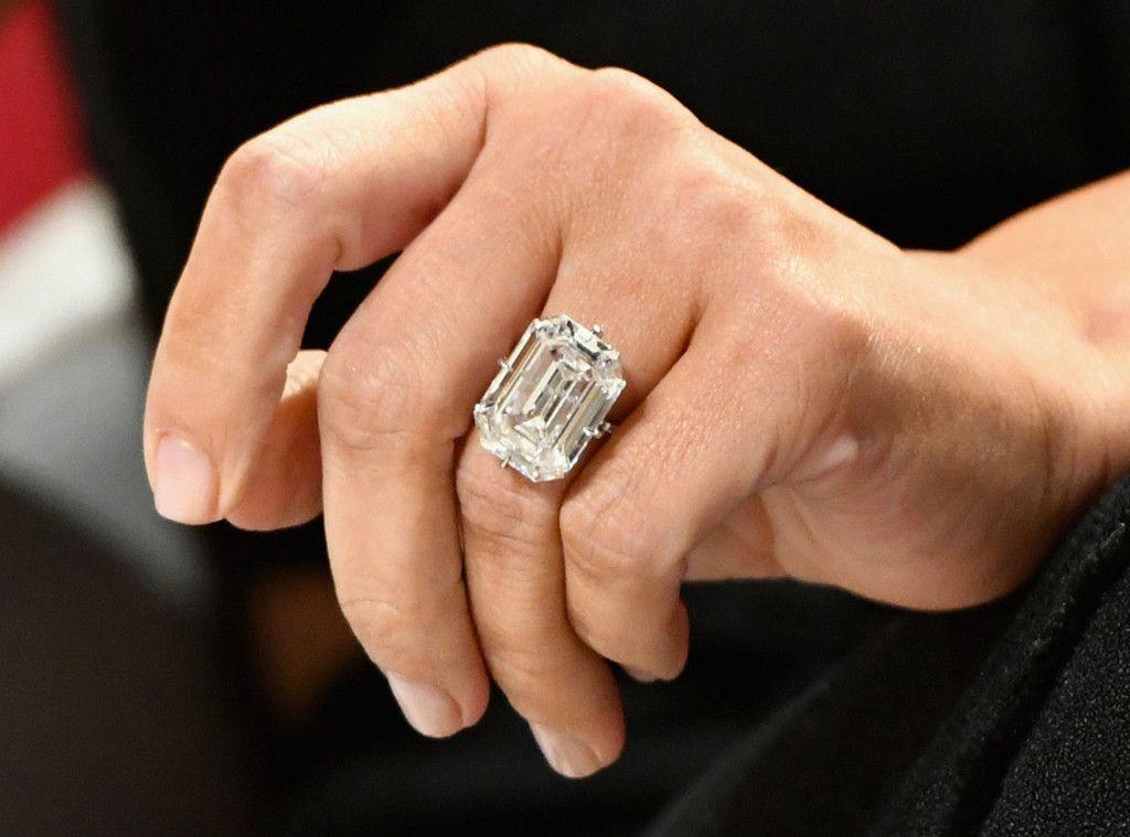 Kim-Kardashian's-ring-most-expensive-engagement-ring
