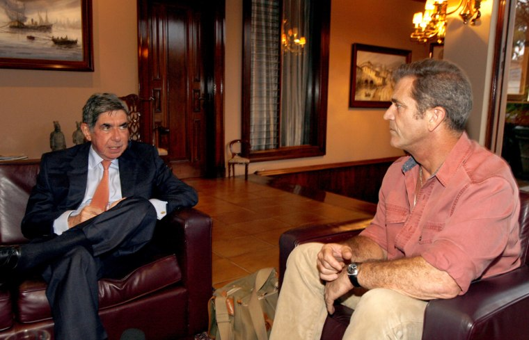 Mel Gibsons with the president of Costa Rica to discuss making a financial donation to help the country's native Indians..