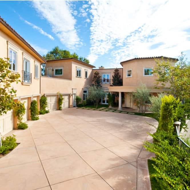 Meek Mill and Nicki Minaj's rented house at Beverly Hills.